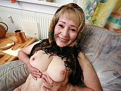 granny-blows-boy06.jpg